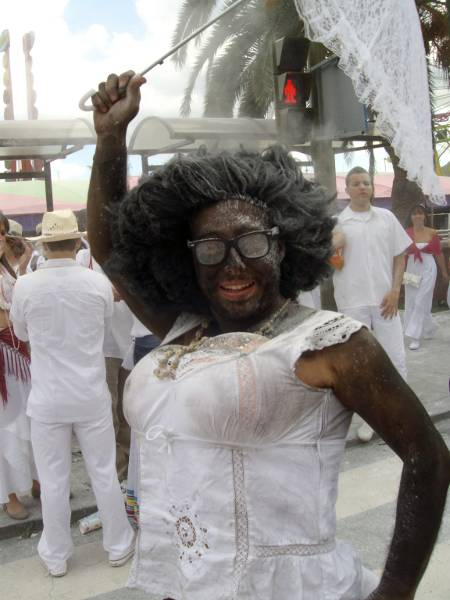 A white man dressed as a black woman for Carnival in Santa Cruz de la Palma