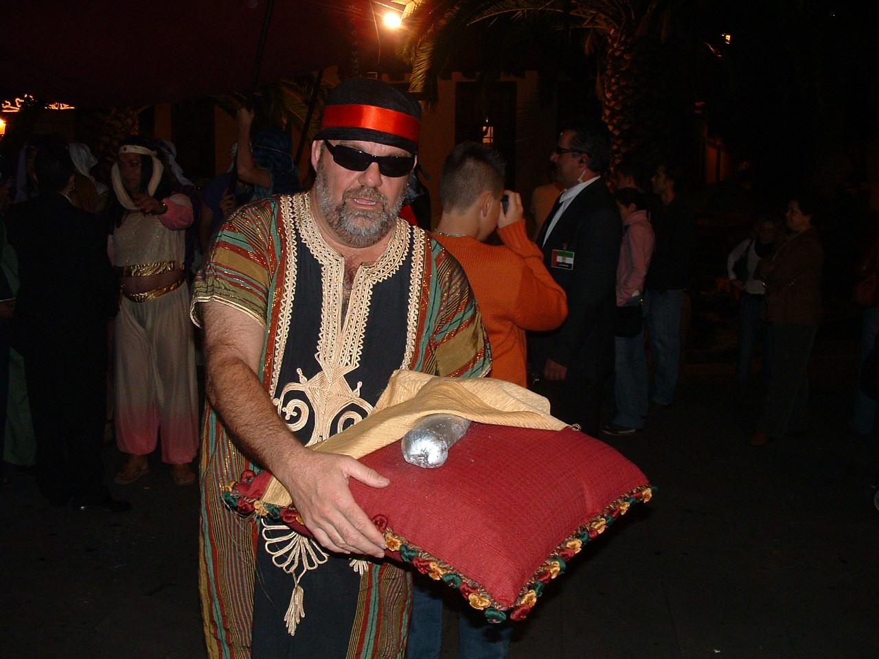 A rather startling trophy, Ambassador's Parade 2006, Santa Cruz de La Palma