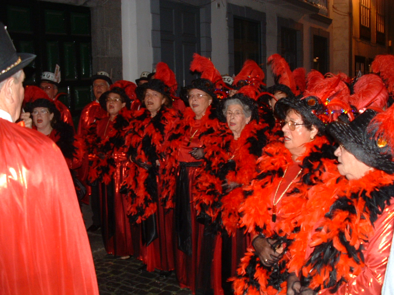 A choir of old ladies, Ambassador's Parade, Santa Cruz de La Palma