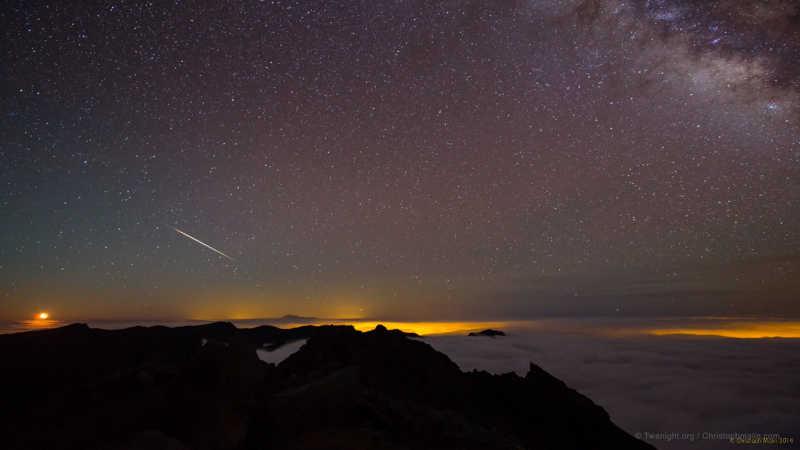 A Geminid meteor over the Caldera de Taburiente, captured by Christoph Marlin